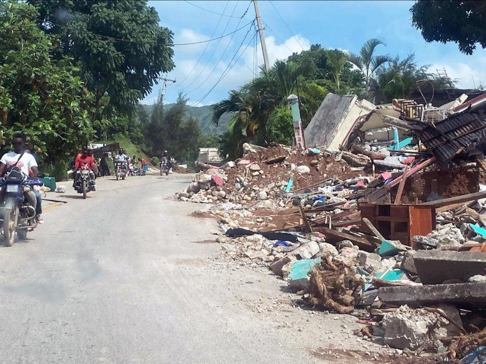 Damage in Marceline, Haiti, near to the epicentre of August's earthquake. (Tom Cotter for Project HOPE, 2021.)