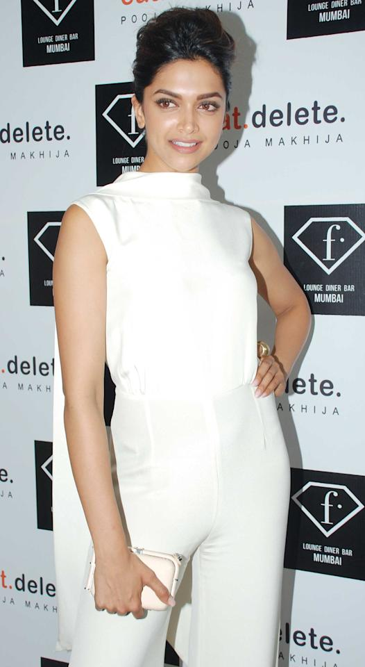 Deepika is the queen of white! She simply loves the colour and we've seen her wear it at several occasions.