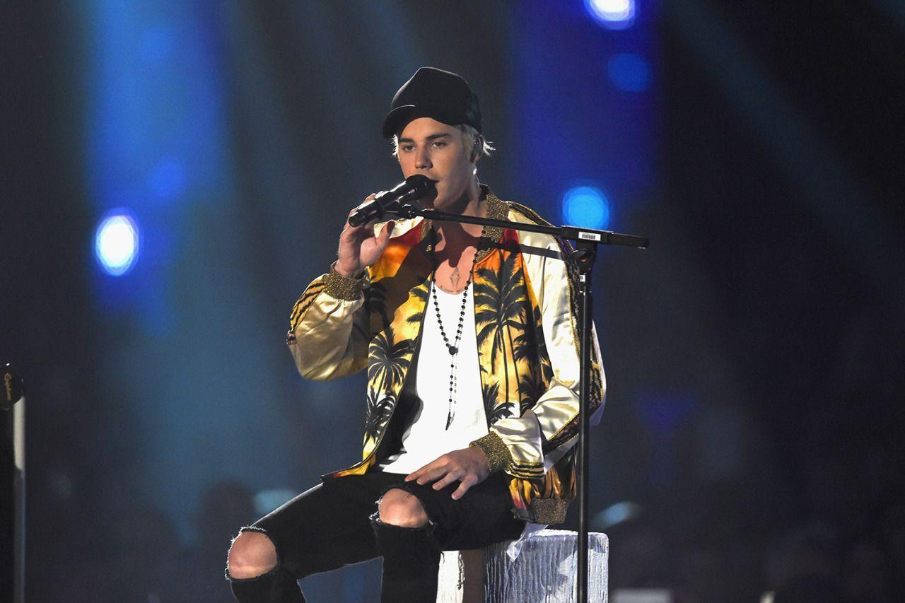 <p>Justin Bieber turned up in a summery Saint Laurent bomber jacket for his performance at the Brits this year. <i>[Photo: Saint Laurent]</i><br /></p>