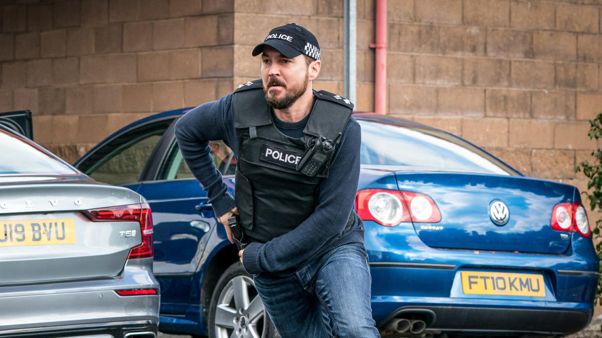 Martin Compston performs a very different accent when he portrays DI Steve Arnott on 'Line of Duty'. (Steffan Hill/BBC)