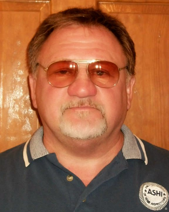<p>Photo of shooting suspect James T. Hodgkinson, 66, of Belleville, Ill., posted on his Facebook page, Nov. 2010. (Photo: James Hodgkinson via Facebook) </p>