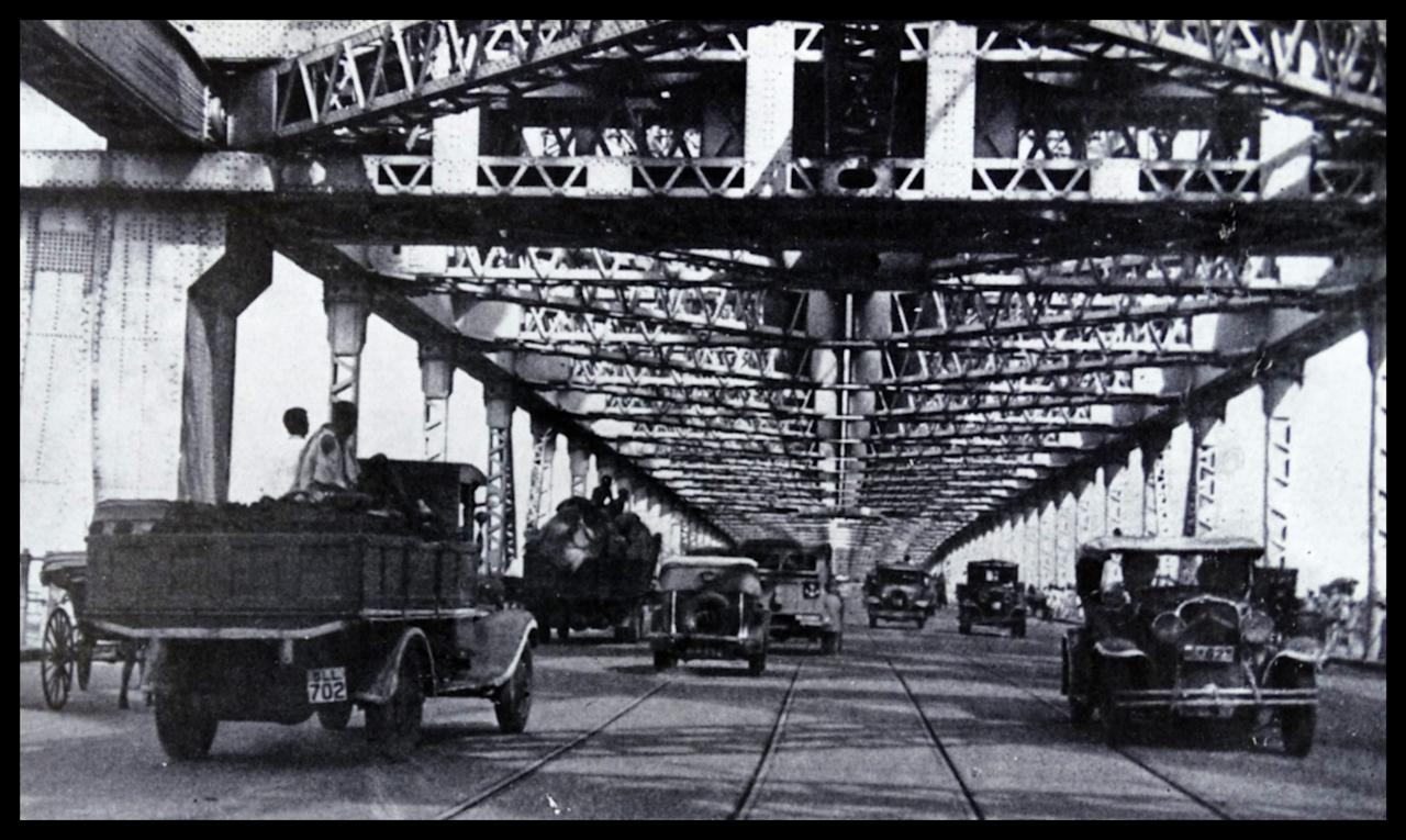 Photograph of the Howrah Bridge over the Hooghly River. Dated 1947 (Photo by: Universal History Archive/Universal Images Group via Getty Images)