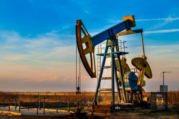 Despite strong production and improved realized price, WPX Energy's (WPX) Q3 earnings miss estimates due to higher cost and expenses.