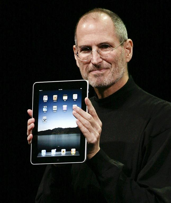 Apple has thus far delivered on the vision of Steve Jobs, seen her launching the iPad, and a new visionary who is at least as passionate as the iconic figure is needed to fix the company, omne analyst reasoned