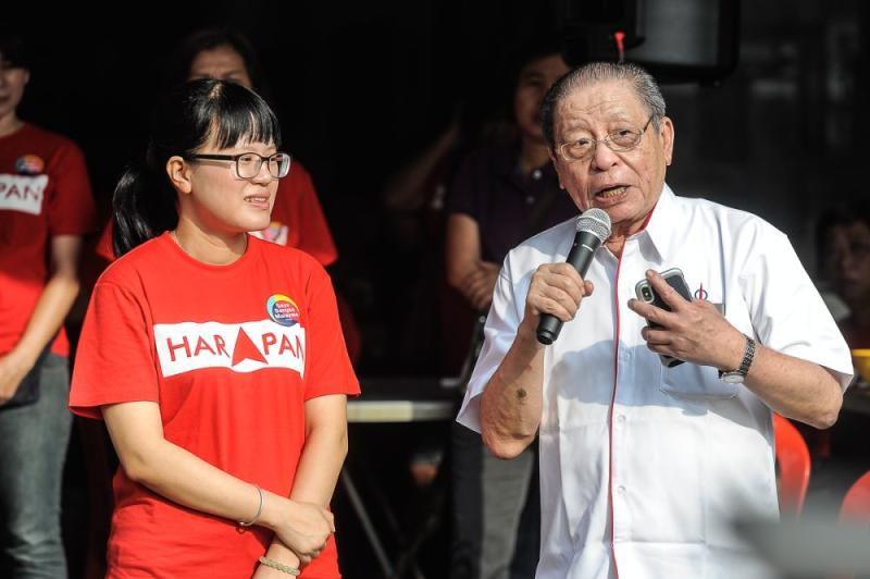 Lim said Umno and MCA leaders are conspiring to bring about the downfall of the PH government within several years, well before the 15th general election due in 2023. ― Picture by Shafwan Zaidon