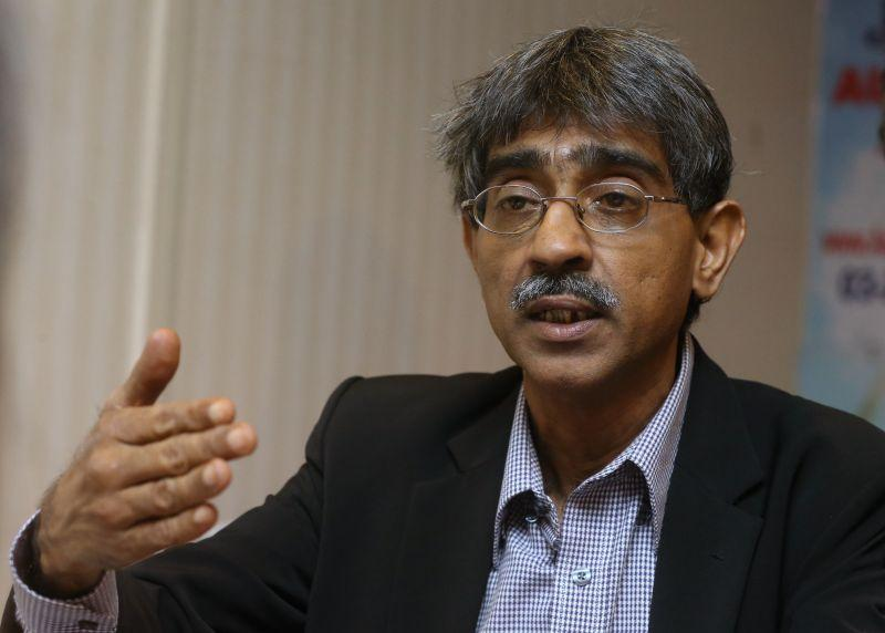 Lawyer Haniff Khatri Abdulla said the call for Putrajaya to have experienced private lawyers fill up positions to be vacated by the country's senior judges was an insult to the judiciary. ― Picture by Zuraneeza Zulkifli