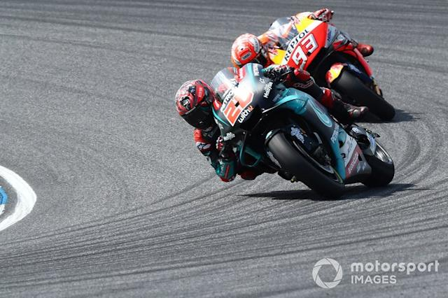 "Fabio Quartararo, Petronas Yamaha SRT. Marc Marquez, Repsol Honda Team <span class=""copyright"">Gold and Goose / Motorsport Images</span>"