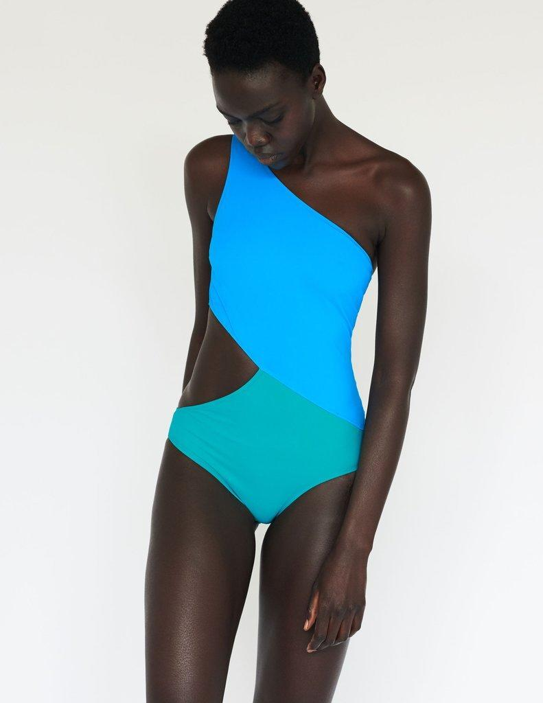 """<h3><h2>Araks</h2></h3><br>We've lusted over Araks' luxurious lingerie and sculptural swimwear and luxe sleepwear since we were fashion noobs. The brand has always produced in its hometown in New York City, with an emphasis on supporting women-owned businesses. Currently, 50% of the brand's swimwear fabrics are made with Econyl, a recycled nylon, and the remainder come from eco-driven suppliers.<br><br><em>Shop <strong><a href=""""https://www.araks.com/https://www.araks.com/"""" rel=""""nofollow noopener"""" target=""""_blank"""" data-ylk=""""slk:Araks"""" class=""""link rapid-noclick-resp"""">Araks</a></strong></em><br><br><strong>Araks</strong> Elmar One Piece, $, available at <a href=""""https://go.skimresources.com/?id=30283X879131&url=https%3A%2F%2Fwww.araks.com%2Fproducts%2Felmar-one-piece-cozumel-bali%3F"""" rel=""""nofollow noopener"""" target=""""_blank"""" data-ylk=""""slk:Araks"""" class=""""link rapid-noclick-resp"""">Araks</a>"""