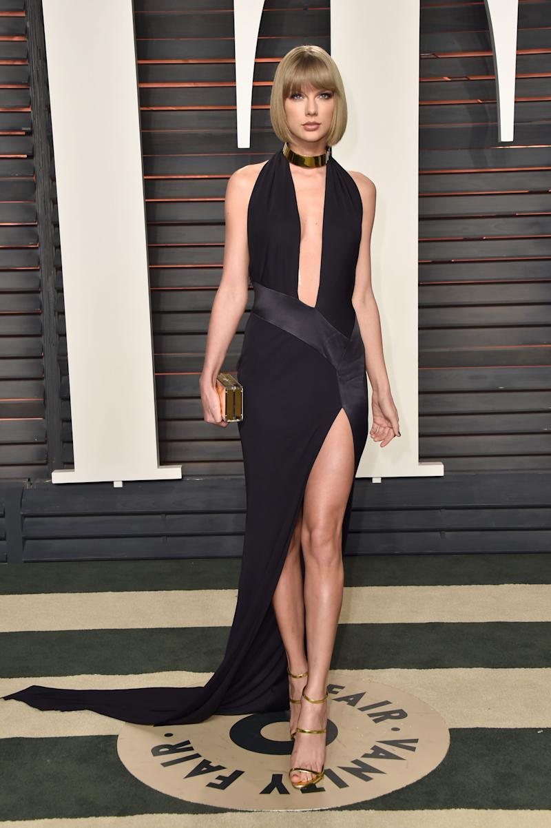 BEVERLY HILLS, CA - FEBRUARY 28: Recording artist Taylor Swift attends the 2016 Vanity Fair Oscar Party Hosted By Graydon Carter at the Wallis Annenberg Center for the Performing Arts on February 28, 2016 in Beverly Hills, California. (Photo by Pascal Le Segretain/Getty Images) ORG XMIT: 601478003 ORIG FILE ID: 513006300