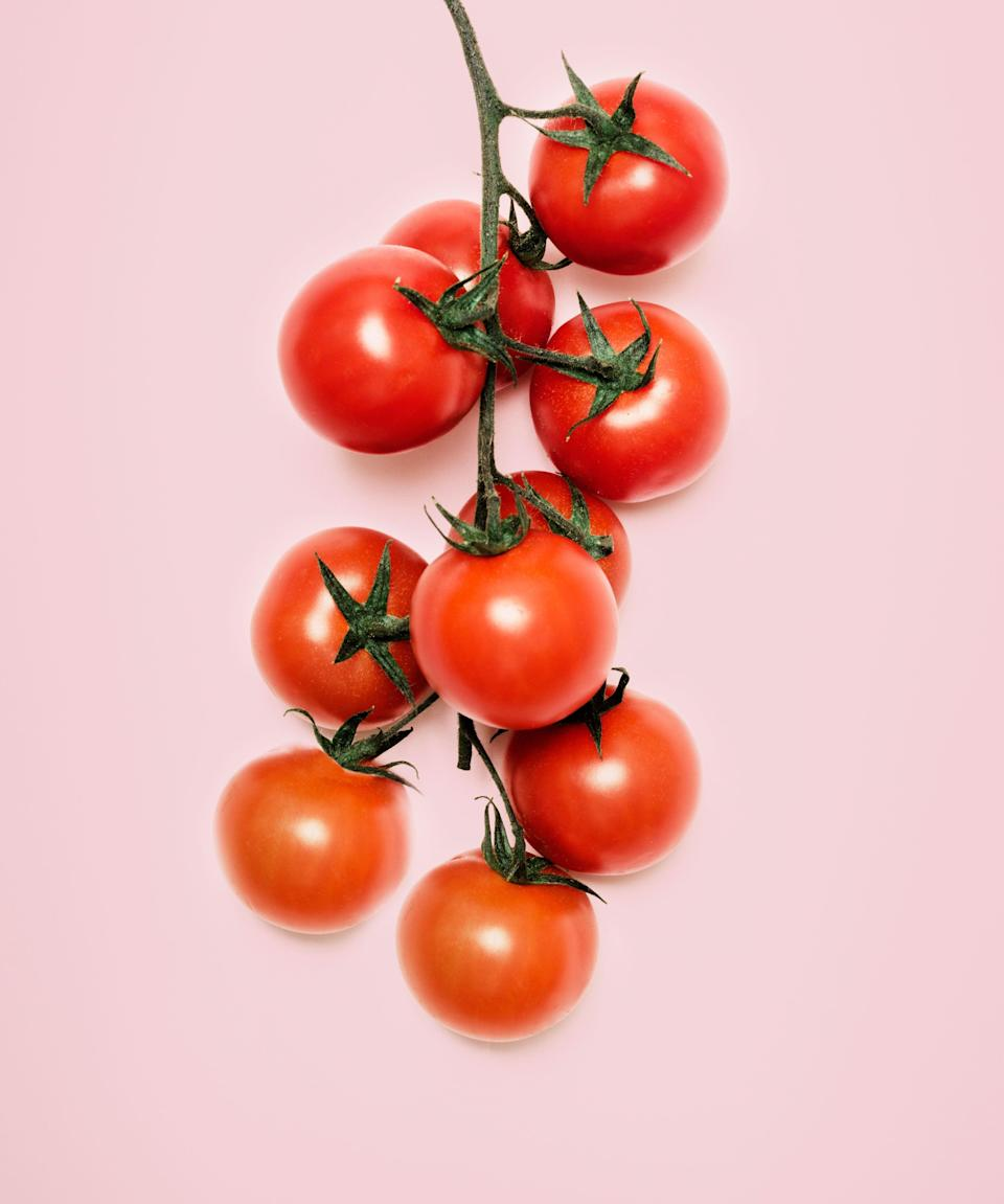 "<h3>Tomatoes</h3><br>One medium-sized tomato can provide you with <a href=""https://ods.od.nih.gov/factsheets/VitaminC-HealthProfessional/"" rel=""nofollow noopener"" target=""_blank"" data-ylk=""slk:28% of your daily total of vitamin C"" class=""link rapid-noclick-resp"">28% of your daily total of vitamin C</a>. <br><span class=""copyright"">Photo: Getty Images.</span>"