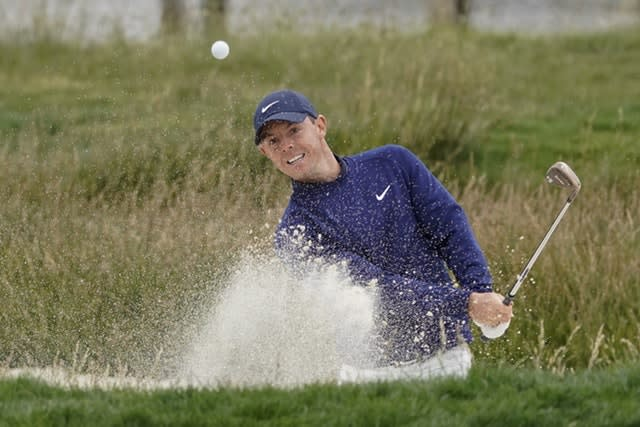 Woodland holds nerve to claim U.S. Open
