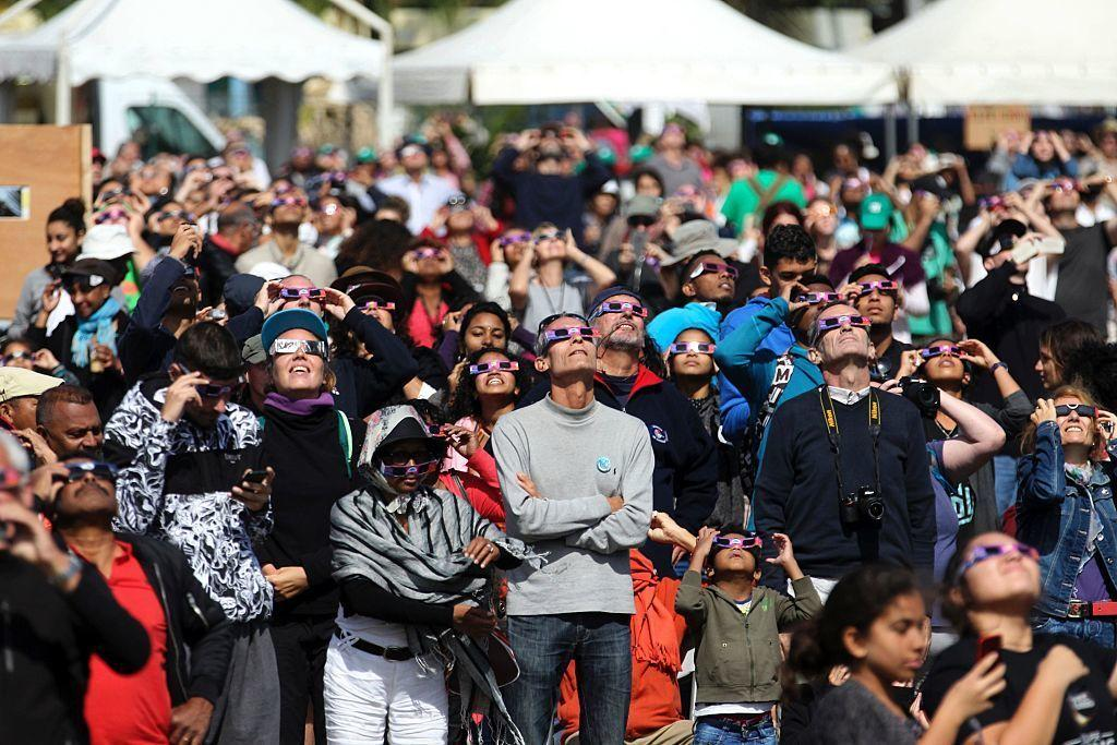 <p>Although nearly everyone in the continental U.S. will see some sort of solar display on August 21st, there are only 12 states in the Union that will get the full show. This guide will help you pick the very best spots to watch the Great American Solar Eclipse in any of the states you choose.</p>