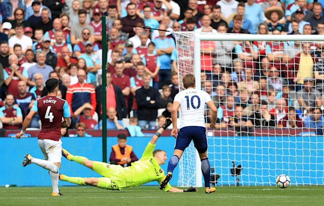 Harry Kane (right) nets his second to sink West Ham United at the London Stadoium