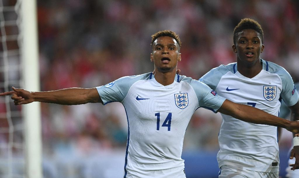 Jacob Murphy (left) in action during England's under-21 European Championship match against Poland, on June 22, 2017 (AFP Photo/PIOTR NOWAK)