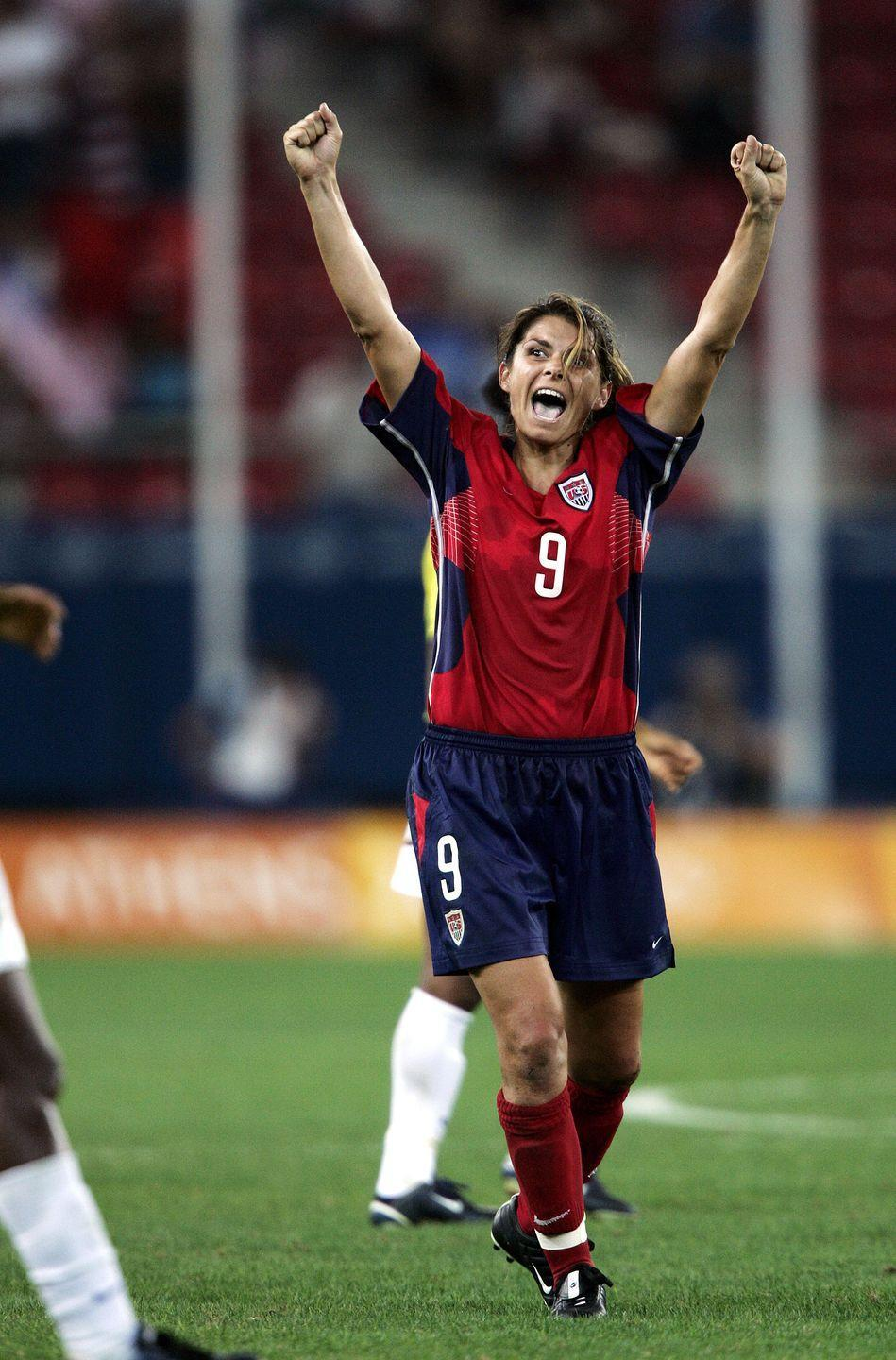 <p>The women's U.S. soccer team beat Brazil 2-1 by netting a spectacular goal in overtime. </p>