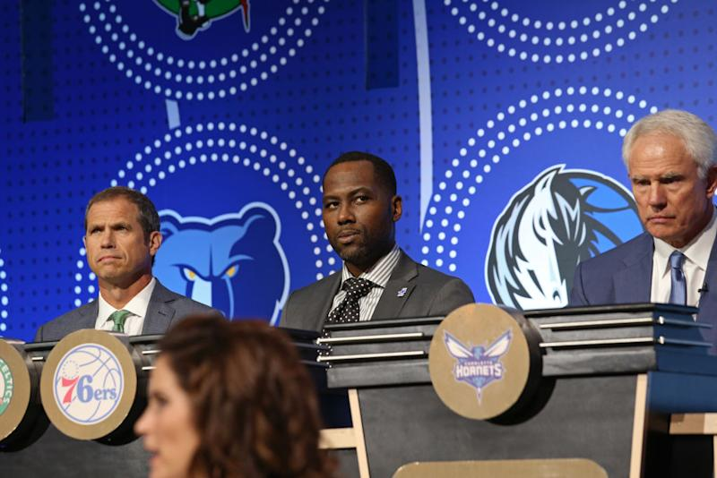 Sixers Reportedly Hire Elton Brand as GM