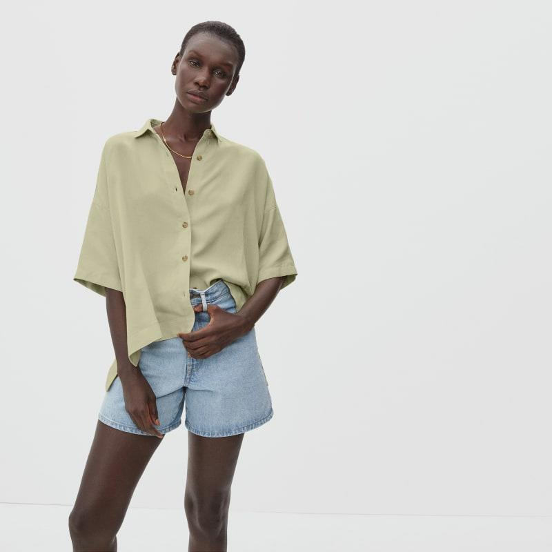 """<h2>Everlane The Drapey Square Shirt</h2><br>""""Who said you can have too many button-down shirts? Absolutely no one. Most of my summer closet consists of oversized button-downs, so what's one (or four) more? This color and the structure of this shirt is so good and unique. I can just picture it, paired with my favorite black boots."""" –<em> Mercedes Viera, Associate Deals Writer </em><br><br><em>Shop </em><a href=""""http://everlane.com"""" rel=""""nofollow noopener"""" target=""""_blank"""" data-ylk=""""slk:Everlane"""" class=""""link rapid-noclick-resp""""><em>Everlane</em></a><br><br><strong>Everlane</strong> The Drapey Square Shirt, $, available at <a href=""""https://go.skimresources.com/?id=30283X879131&url=https%3A%2F%2Fwww.everlane.com%2Fproducts%2Fwomens-drapey-square-shirt-sage"""" rel=""""nofollow noopener"""" target=""""_blank"""" data-ylk=""""slk:Everlane"""" class=""""link rapid-noclick-resp"""">Everlane</a>"""