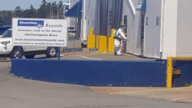 The two Kloosterboer Bayside employees who tested positive last Friday and Saturday, have now tested negative, said general manager Manuel Estrada.  (Graham Thompson/CBC - image credit)