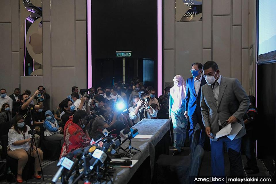 Opposition leader PKR president Anwar Ibrahim held a memorable press conference at Le Meridien Hotel on Sept 23, 2020, at which he declared he had the support of a 'formidable majority' of Dewan Rakyat MPs.<p><br></p>