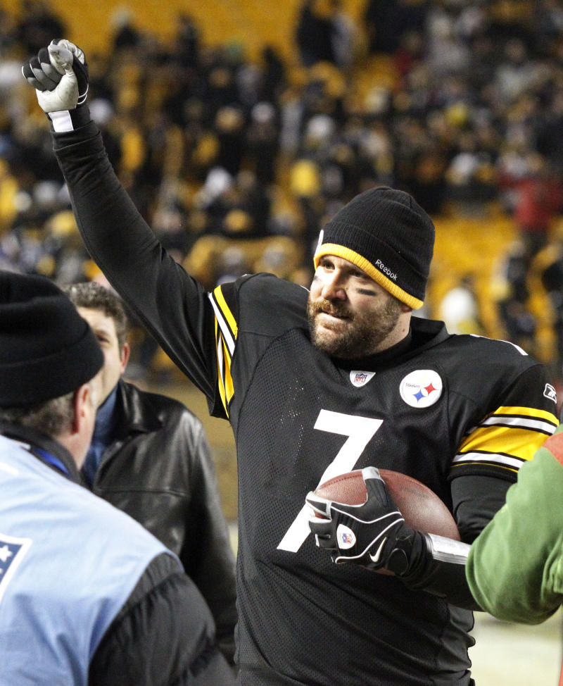 Pittsburgh Steelers quarterback Ben Roethlisberger (7) celebrates after a 31-24 win over the Baltimore Ravens in an NFL divisional football game in Pittsburgh, Saturday, Jan. 15, 2011. The Steelers advanced to the AFC Championship game. (AP Photo/Keith Srakocic)