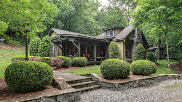 Blake Shelton Picks Up Rustic Luxe Tennessee Compound