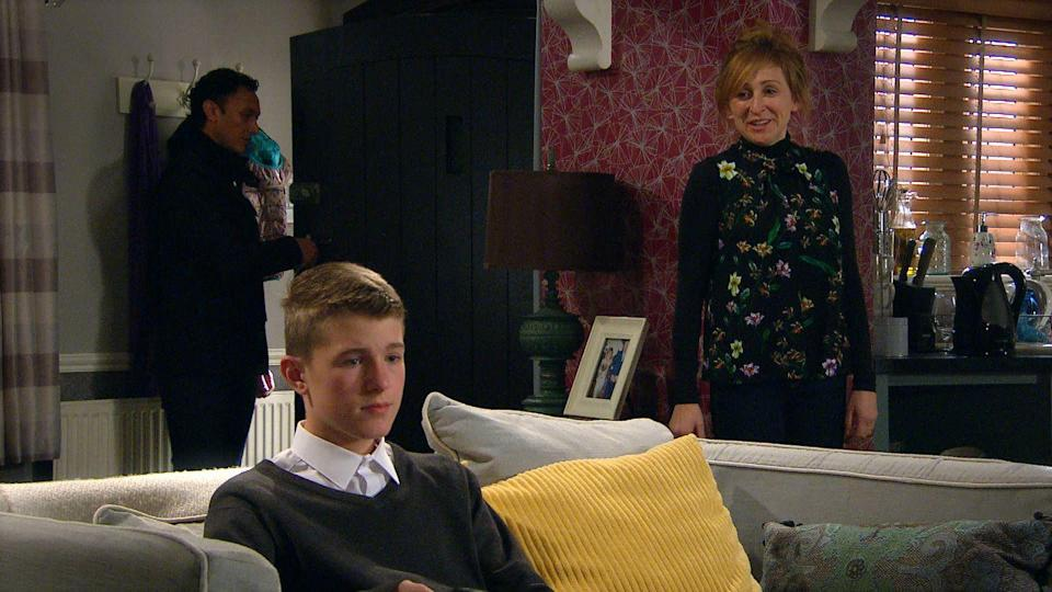 <p>Laurel is fretting over yesterday's scan results. When an oblivious Arthur makes disparaging comments about a pregnant teacher at school, Laurel reacts badly.</p>