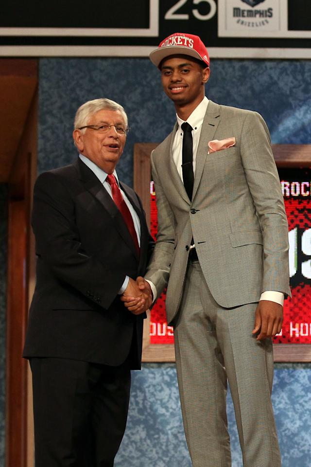 NEWARK, NJ - JUNE 28:  Jeremy Lamb (R) of the Connecticut Huskies greets NBA Commissioner David Stern (L) after he was selected number twelve overall by the Houston Rockets during the first round of the 2012 NBA Draft at Prudential Center on June 28, 2012 in Newark, New Jersey. NOTE TO USER: User expressly acknowledges and agrees that, by downloading and/or using this Photograph, user is consenting to the terms and conditions of the Getty Images License Agreement.  (Photo by Elsa/Getty Images)