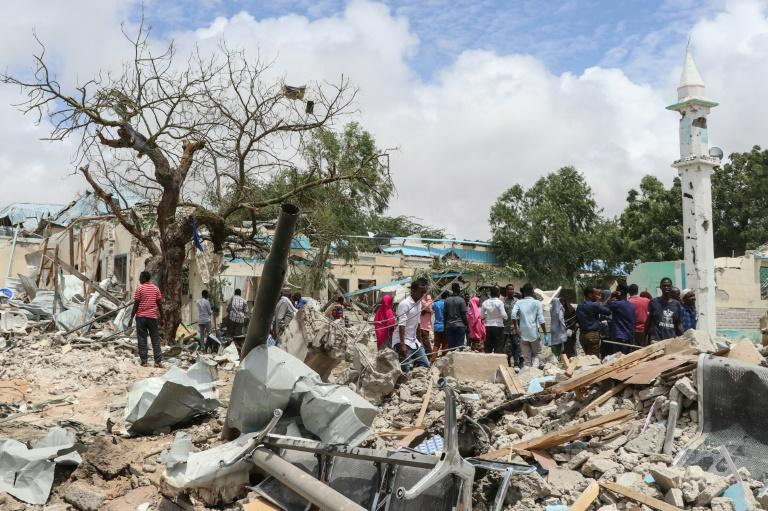 The car bomb in Mogadishu killed six people and left another 16 injured with the blast levelling surrounding buildings