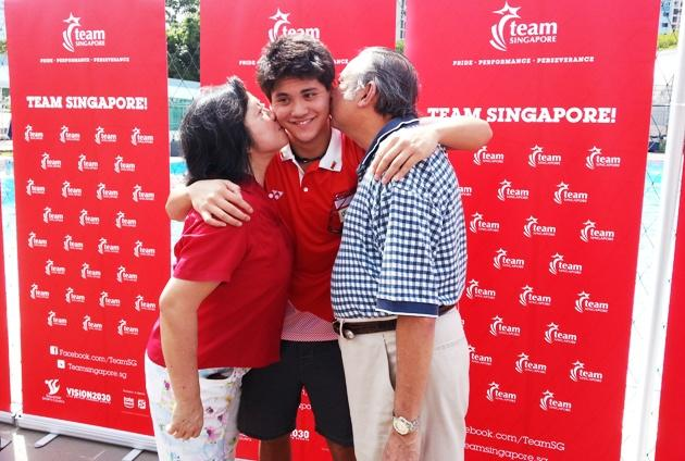 Joseph Schooling and his parents May and Colin. (Yahoo Photo)