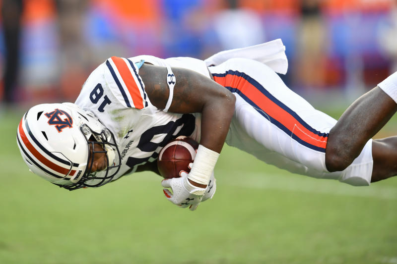 Auburn wide receiver Seth Williams has a penchant for making highlight-reel grabs. (Photo by Roy K. Miller/Icon Sportswire via Getty Images)
