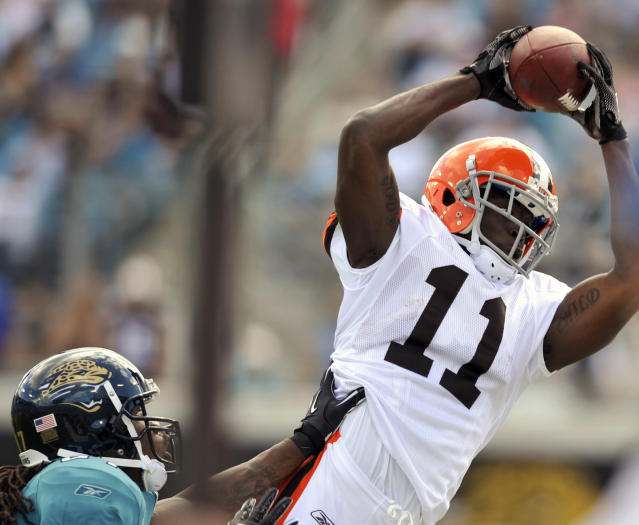 Former Browns receiver Mohamed Massaquoi lost most of his left hand after an ATV accident last year. (AP)