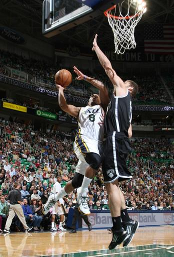 Foye's 8 3-pointers lift Jazz over Nets, 116-107