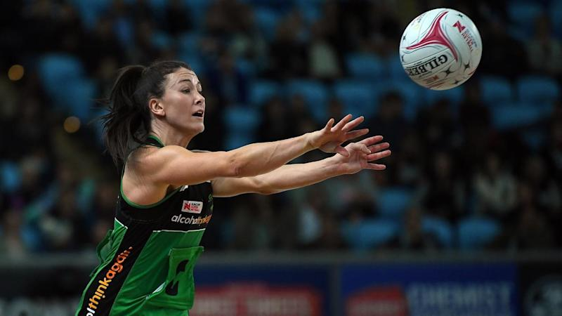 SUPER NETBALL MAGPIES FEVER
