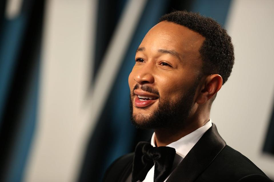 BEVERLY HILLS, CALIFORNIA - FEBRUARY 09: John Legend attends the 2020 Vanity Fair Oscar Party hosted by Radhika Jones at Wallis Annenberg Center for the Performing Arts on February 09, 2020 in Beverly Hills, California. (Photo by Rich Fury/VF20/Getty Images for Vanity Fair)