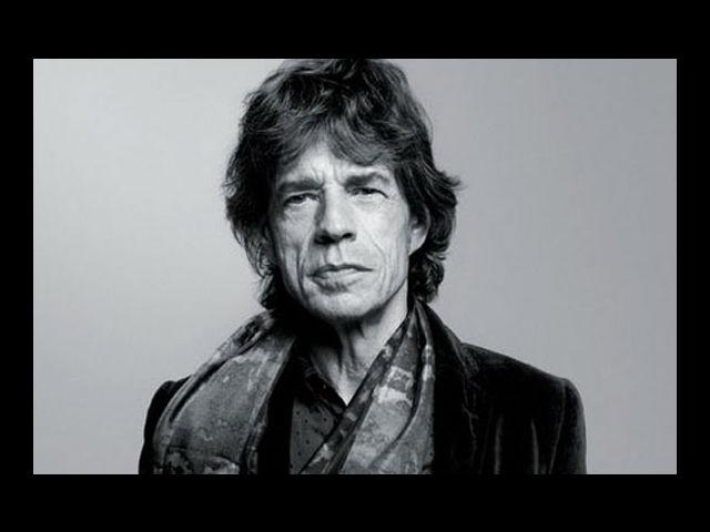 <b>Mick Jagger:</b> The lead singer of world's greatest rock 'n' roll band throws at you subtle impulses of wacky fad. The thing unique to Jagger's style is that it will look aesthetically good on even the suit-and-tie guy.