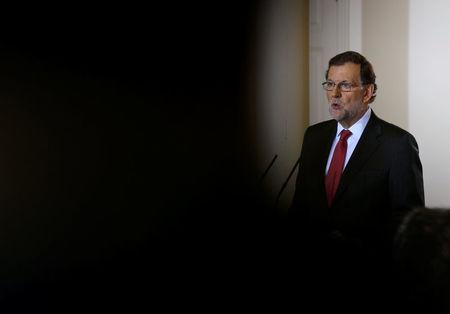 Spanish Prime Minister Mariano Rajoy delivers a year-end news conference at Moncloa palace in Madrid, Spain December 30, 2016. REUTERS/Andrea Comas