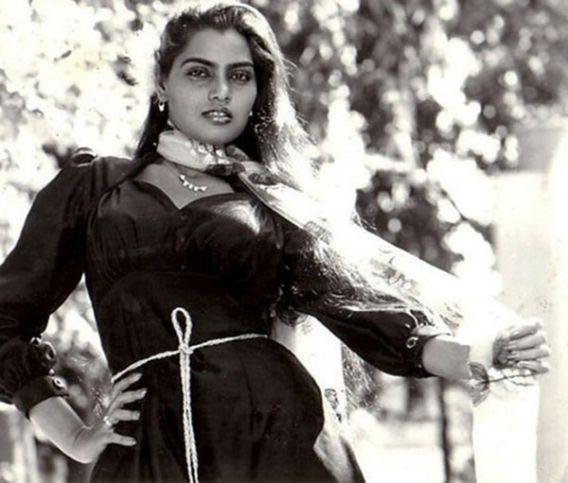 <p>Vijayalakshmi Vadlapati, or Silk Smitha, is one of the most well known erotic actresses. However, Vadlapati was turnig a new leaf by turning producer. Things did not fall in place for her and apparently she committed suicide by poisoning herself in 1996. Failed romance, depression and dependency on alcohol have been cited as other reasons for her premature death. </p>