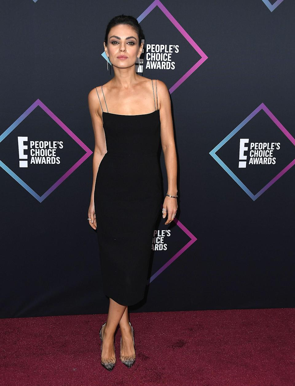 <p>The actress wore a dress by Alex Perry at the People's Choice Awards 2018 at Barker Hangar on November 11, 2018 in Santa Monica, California. <em>[Photo: Getty]</em> </p>