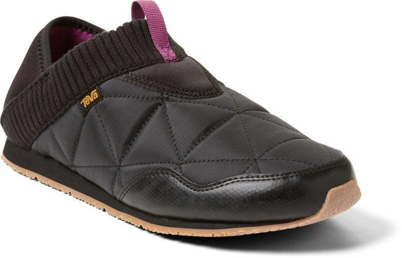 """<h2>Teva Ember Moc Slippers</h2><br>A longtime reader fave for both indoor and outdoor wear, Teva's quilted slip-ons feature a collapsible heel for those extra-lazy moments. They also boast a furry lining for extra comfort and a sneaker-like sole for braving the great outdoors.<br><br><br><strong>Teva</strong> Ember Moc Slippers, $, available at <a href=""""https://go.skimresources.com/?id=30283X879131&url=https%3A%2F%2Fwww.rei.com%2Fproduct%2F137281%2Fteva-ember-moc-slippers-womens"""" rel=""""nofollow noopener"""" target=""""_blank"""" data-ylk=""""slk:REI"""" class=""""link rapid-noclick-resp"""">REI</a>"""