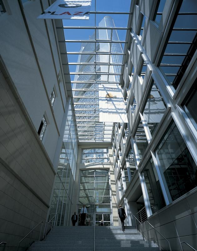 The 12 architectural must sees - Commerzbank london office ...