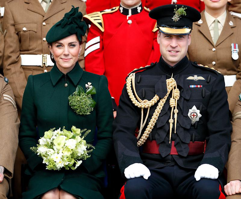 The Duke and Duchess of Cambridge posing for a regiment photo. (Max Mumby/Indigo via Getty Images)