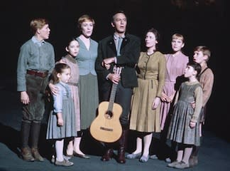 NICHOLAS HAMMOND, KYM KARATH, ANGELA CARTWRIGHT, JULIE ANDREWS, CHRISTOPHER PLUMMER, CHARMIAN CARR, HEATHER MENZIES, DEBBIE TURNER, DUANE CHASE