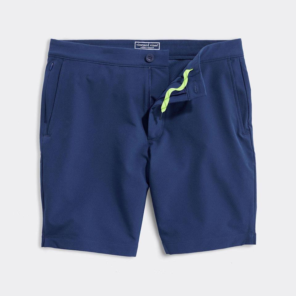"""<p><strong>45 Reviews</strong></p><p>vineyardvines.com</p><p><strong>$115.00</strong></p><p><a href=""""https://go.redirectingat.com?id=74968X1596630&url=https%3A%2F%2Fwww.vineyardvines.com%2Fmens-swimwear%2Fsandbar-short%2F1M001176.html&sref=https%3A%2F%2Fwww.menshealth.com%2Fstyle%2Fg36560974%2Fbest-board-shorts-for-men%2F"""" rel=""""nofollow noopener"""" target=""""_blank"""" data-ylk=""""slk:BUY IT HERE"""" class=""""link rapid-noclick-resp"""">BUY IT HERE</a></p><p>These sleek hybrid board shorts are the perfect pair for the man on the go. Wear them with a crisp button-up for a surfside lunch, followed by endless hours of laying on the beach.</p>"""
