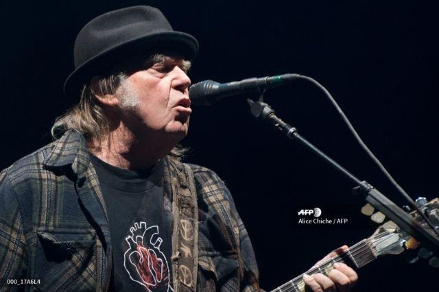 """Neil Young and John Mellencamp to perform for 'At Home With Farm Aid"""""""