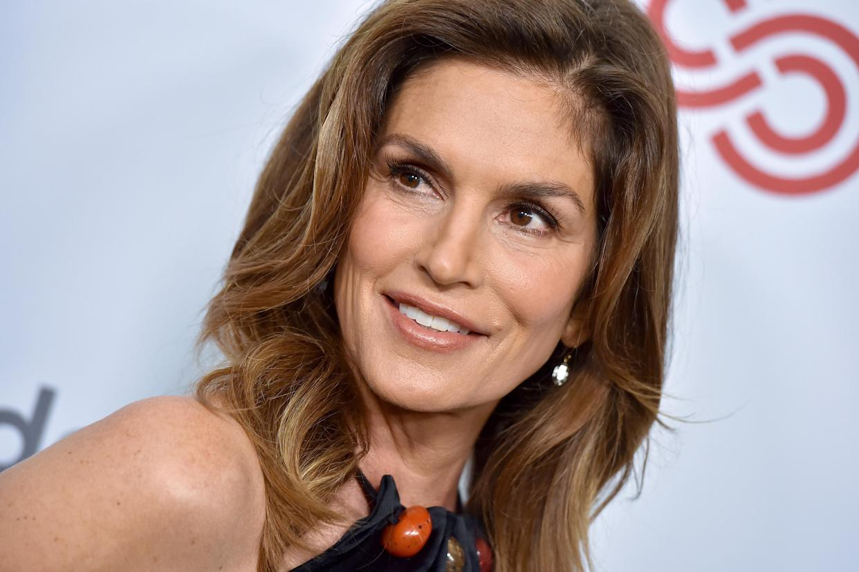BEVERLY HILLS, CALIFORNIA - NOVEMBER 06: Cindy Crawford attends the Women's Guild Cedars-Sinai Annual Luncheon at Regent Beverly Wilshire Hotel on November 06, 2019 in Beverly Hills, California. (Photo by Axelle/Bauer-Griffin/FilmMagic)