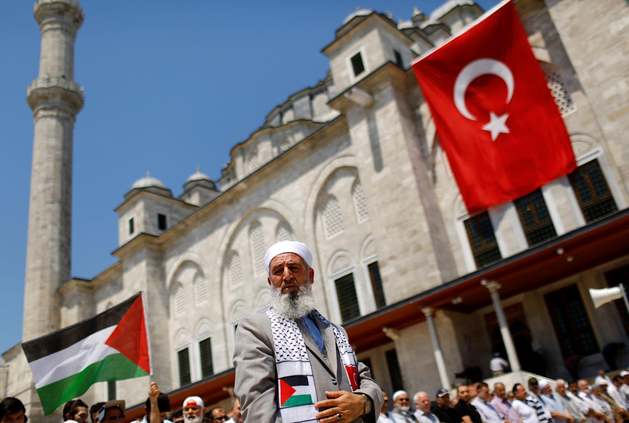 Demonstrators pray during a protest marking the annual al-Quds Day, or Jerusalem Day, at the courtyard of Fatih mosque in Istanbul, Turkey, June 23, 2017. REUTERS/Murad Sezer