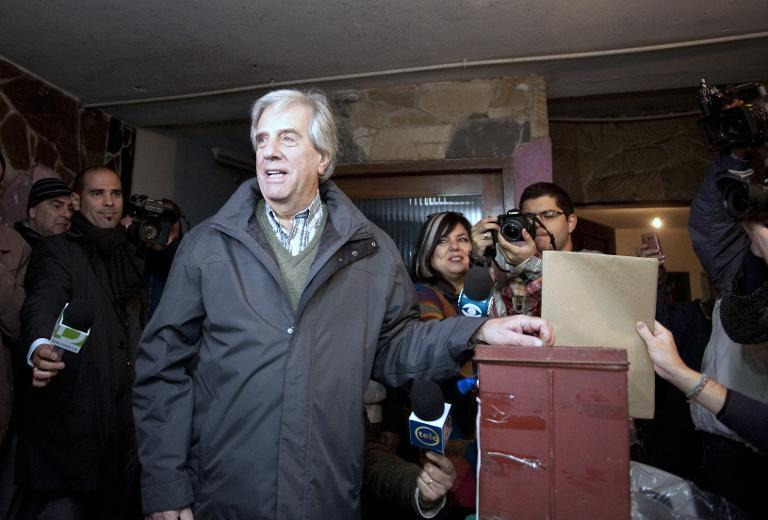 Tabare Vazquez, former Uruguayan president and presidential candidate, casts his vote during primary elections in Montevideo on June 1, 2014