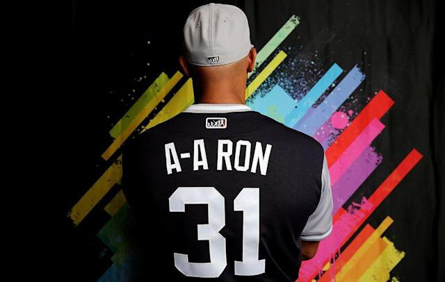 "Aaron Hicks' Players Weekend uniform says A-A-Ron on the back, a ""Key & Peele"" reference. (@MLB)"