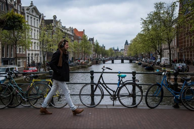 Amsterdam wins European Union medicine agency, 900 jobs leaving London over Brexit