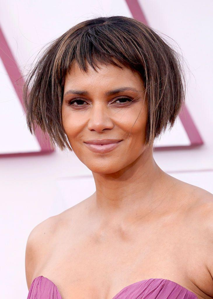 <p>Halle Berry debuted a dramatic hair transformation on the red carpet with a micro fringe and perfectly angled bob. </p>